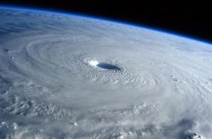 Changement climatique depuis l'espace... Ségolène Royal s'entretient avec l'astronaute Thomas Pesquet