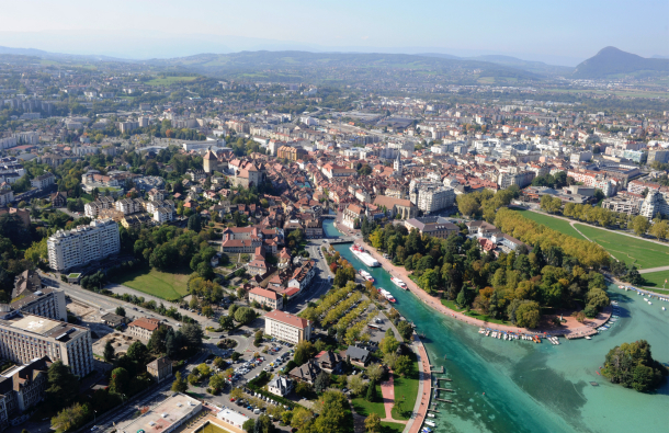 Passant de 50.000 à 120.000 habitants, le projet Smart city de ville du futur d'Annecy vise à devenir durable. L'écoquartier Vallin est le premier concerné par cette démarche. © Ville d'Annecy